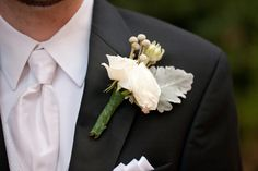 Jen & John Wedding #real #wedding #groom #boutonniere #EventsByJenniferCraft  Photography by Skeem Photography
