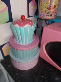 I'm amazed I found room for them! Cupcake Kitchen Theme, Kitchen Themes, Kitchen Tools, Cupcake Cookie Jar, Cake And Cupcake Stand, Cookie Jars, Cozinha Shabby Chic, Shabby Chic Kitchen, Disney Kitchen Decor