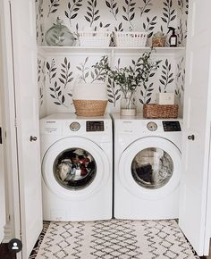 Chic laundry room with some greenery wallpaper Small Laundry Rooms, Laundry Room Design, Laundry In Bathroom, Laundry Room Remodel, Laundry Closet, Laundry Room Makeovers, Laundy Room, Laundry Room Inspiration, Farmhouse Laundry Room