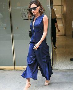 Elegant Victoria Beckham streetstyle. #victoriabeckham