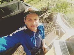 Working in the garden... #koeln #work #beer #bier #grill #broilking #santosgrill #apple #koelngram #köln #nippes #sun #frühling #katzsdeli #music #trompete #trumpet #wallgrabenopenair #zülpich http://www.butimag.com/trompete/post/1476932211654571991_3448693744/?code=BR_HgV5ALfX