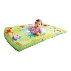 Una manta de juegos para niños que parece un bosque. Haz que se pierdan en él #bebes #juguetes