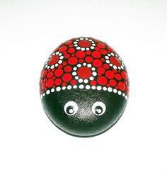 Ladybird ladybug hand painted pebble stone by CornishMaidPebbles Mandala Stones Art Rock Painting Patterns, Rock Painting Ideas Easy, Dot Art Painting, Rock Painting Designs, Mandala Painting, Pebble Painting, Pebble Art, Stone Painting, Pebble Stone