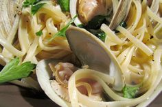 """Dad's Linguini and Clams"".. By Cake boss.. Easy and yummy"