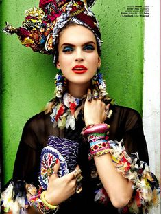 "Vogue Brasil has featured a vibrant Carmen Miranda inspired. The editorial titled with ""Carmen Miranda Reloaded' stars the models Mirte Maas, Suzane and Suzana. Tropical Fashion, Floral Fashion, Ethnic Fashion, Fashion Prints, African Fashion, High Fashion, Gipsy Fashion, Carmen Miranda, Moda Floral"