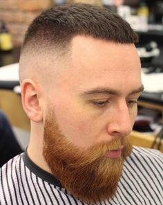 Hoch und eng mit Bart