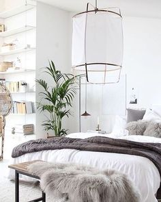 Hello weekend! Hope you are all enjoying that well deserved sleep in this morning. Needless to say, I would NEVER leave my bedroom if it resembled this stunner...x | thanks @myscandinavianhome