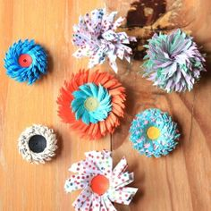 Creative alternatives to the regular quilled fringed flower. Step by step directions.