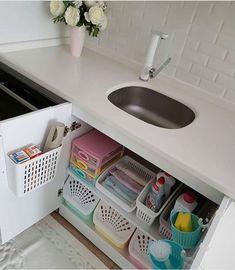 33 Top Kitchen Organization Diy And Storage Hacks Ideas Kitchen Organization Pantry, Kitchen Storage Solutions, Diy Kitchen Storage, Bathroom Organisation, Room Organization, Bathroom Storage, Kitchen Decor, Kitchen Rack, Bathroom Drawers