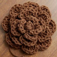 crochet flower: really good pattern.
