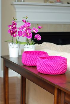 ...Handy Crafter...: Crochet Baskets in Delicious Colors