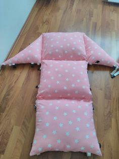 Sewing For Kids, Baby Sewing, Diy For Kids, Diy Home Crafts, Sewing Crafts, Sewing Projects, Pink Pillows, Baby Pillows, Sewing Pillows