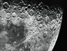 La Luna no es completamente sólida según esta última investigación: http://www.muyinteresante.es/ciencia/articulo/la-luna-no-es-completamente-solida-531406623431