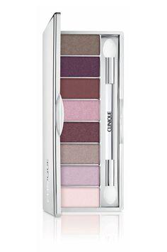 Wear Everywhere Neutrals de Clinique http://www.vogue.fr/beaute/shopping/diaporama/les-20-palettes-de-maquillage-du-printemps-fards-a-paupieres/20143