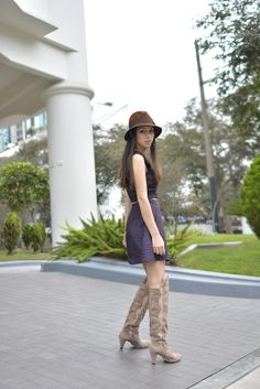 Knee high boots - casual chic.  Flavour trend