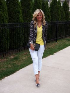 Ignoring the horrible distressed white jeans, I honestly love this polka dot blazer.with the striped shoes. Look Blazer, Blazer Outfits, Casual Outfits, Cute Outfits, Fashion Outfits, Fashion Scarves, White Jeans Outfit, White Pants, Fashion Clothes