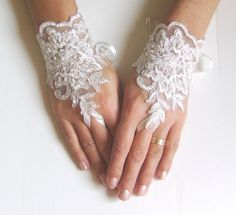 Ivory bride glove  Wedding gloves bridal gloves lace by GlovesShop, $30.00