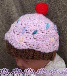 Scalloped Newborn Cupcake Hat Crochet Pattern