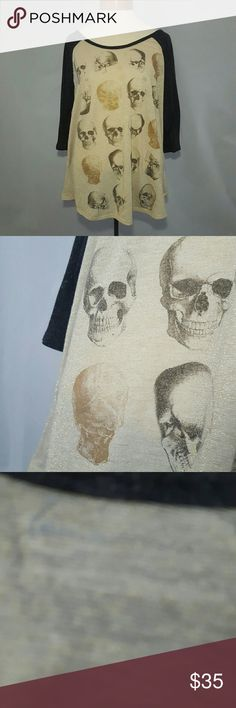 Lane Bryant Cream & Gray Baseball Style Skull Tee Great condition. Gold glitter stitched into material. Lane Bryant Tops