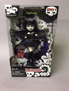 Begoths Angelica Noir 7 inch #BeGoths #DollswithClothingAccessories