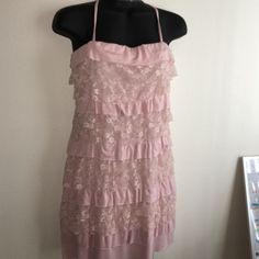 PRETTY IN PINK GUESS SUMMER DRESS Guess dress size Medium. Layers of lace and light fabric make this perfect for summer. Has removable/attachable straps. They are also adjustable. Never worn. A size too big for me. Will fit sizes M-L.  NO IMPERFECTIONS. PET FREE SMOKE FREE HOME  Guess Dresses Mini