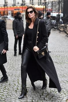 Age defying: Supermodel Cindy Crawford, cut a chic figure in a black military jacket and curve-hugging leather trousers as she led the star-studded arrivals at Balmain's Paris Fashion Week show Cindy Crawford, Black Military Jacket, Rocker Look, Fashion Over 50, Paris Fashion, Leather Trousers, Leather Fashion, Casual Chic, Pants For Women
