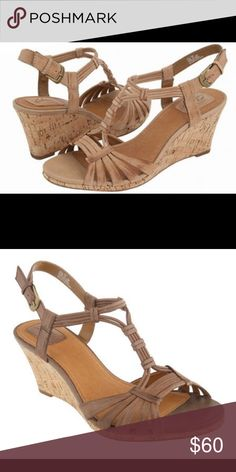 REDUCED! Clarks laguna reef brown Lea wedges Lightly worn (see photos). Soles still have original treads and floral design. Original box included  🙂 Clarks Shoes Sandals