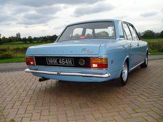 riseing-motor-classics - Ford Cortina Retro Cars, Vintage Cars, Vintage Style, Classic Cars British, Ford Classic Cars, Cars Uk, Old Fords, Car Ford, Jdm