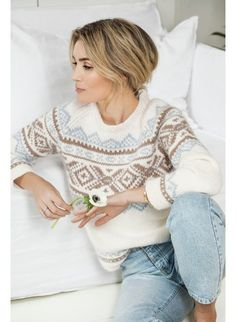 Oppskrifter – Camilla Pihl Strikk - Lilly is Love Knitting Patterns Free, Baby Knitting, Free Knitting, Maid Marian, Fair Isle Pattern, Vest Pattern, Knitwear Fashion, Knit Fashion, Raglan Pullover