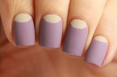 Wanna know how to make your nail polish have a matte finish? Just mix some baby powder with any ordinary nail polish and apply!