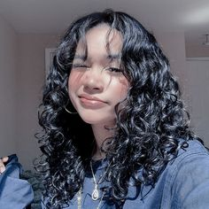 Hairdos For Curly Hair, Curly Hair With Bangs, Curly Hair Cuts, Wavy Hair, Curly Hair Styles, Natural Hair Styles, Baddie Hairstyles, Pretty Hairstyles, Girl Hairstyles