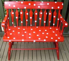 red and white polka dot bench Funky Painted Furniture, Painted Chairs, Red Dots, Polka Dots, Red Bench, Retro, Kitsch, Red Cottage, Red Paint