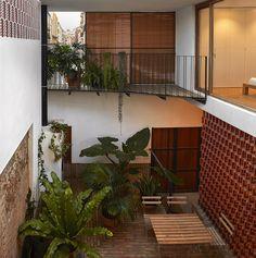 Gallery of Courtyard Residence in Benimaclet / Gradolí & Sanz - 15
