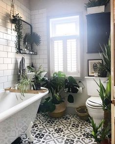 Jungle Having to rehouse a lot of the plant babies whilst the dining room makeov.- Jungle Having to rehouse a lot of the plant babies whilst the dining room makeov… Jungle Having to rehouse a lot of the plant babies… - Modern White Bathroom, Beautiful Bathrooms, Small Bathroom, Master Bathroom, Boho Bathroom, Bathroom Layout, Bad Inspiration, Bathroom Inspiration, Jungle Bathroom