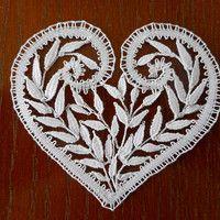 Vložit nové zboží | Fler.cz Bobbin Lacemaking, Bobbin Lace Patterns, Lace Heart, Lace Jewelry, Lace Detail, Hearts, Butterfly, Holidays, Artwork