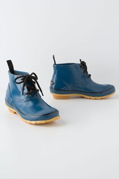 lace up rain boots in BLUE!