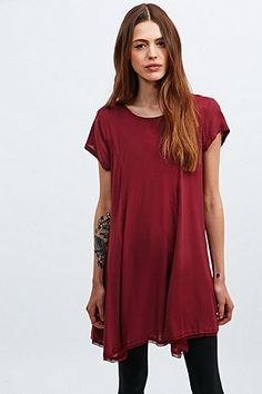 """Silence + Noise – T-Shirt-Kleid """"Witchy"""" - Urban Outfitters"""