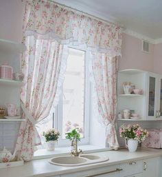 Country Kitchen Curtains, Shabby Chic Kitchen, Shabby Chic Homes, Kitchen Curtain Designs, Curtain Styles, Home Curtains, Indian Home Decor, Diy Room Decor, Interior Design