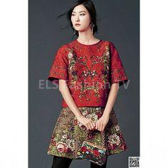 #dolceandgabanna #fashiondesigner #hautecouture #fall2015. More #photos  coming soon on  #elsfashiontv  @elsfashiontv  #me #photooftheday #instafashion #instacelebrity  #instaphoto #dolcegabbana #newyork #london #milan #dubai #glamour #fashionista #style #fashionweek #paris #tvchannel #fashiontrends