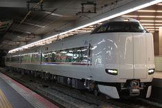 JR西日本287系電車 - Wikipedia
