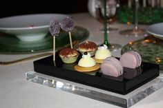 I want plates like this for my Petit fours!