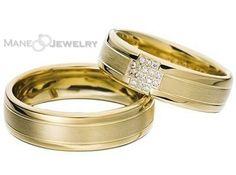 Cincin kawin model minzy merupakan cincin couple dengan konsep mewah dan elegan. Permukaan cincinnya menggunakan warna yellow gold mewah. Untuk finisingnya menggunakan perpaduan doff dan mengkilap. Untuk cincin wanita ditambahkan tatanan batu zirconia sehingga kesan anggun dan cantik lebih terasa. Bahan cincin bisa custom dan disesuaikan dengan dana anda. Free exlusive ring box (seharga Rp …