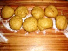 Trdelníkové svadobné rohlíčky (fotorecept) - obrázok 4 Ale, Potatoes, Fruit, Vegetables, Food, Basket, Ale Beer, Potato, Essen