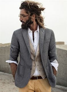 love this look.... especially with the long hair, would look good with a fierce combover too