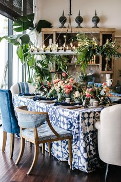 La Tavola Fine Linen Rental: Shibori Indigo with Kansas Navy Napkins | Photography: Melanie Deurkopp, Florals: Charlotte and Daughters, Furniture Rentals: Found Vintage Rentals, Tabletop: Casa de Perrin