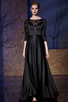 128d7aed807 Robe de soirée noire en satin à haut transparent avec manche mi-longue