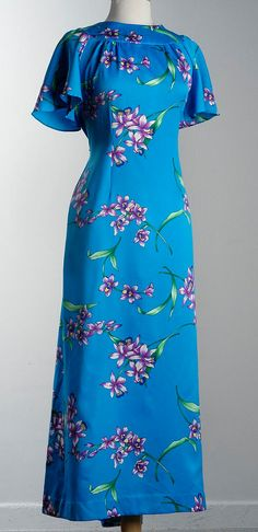 Vintage Darini Hawaiian MuuMuu Maxi Dress with Train Large XL Vintage 70s, Vintage Fashion, Hawaiian Muumuu, Island Wear, Dress Skirt, Maxi Skirts, Cool Outfits, High Neck Dress, Short Sleeve Dresses