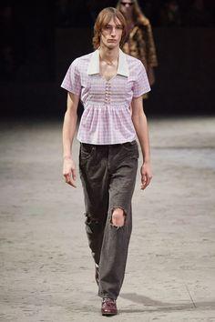 Gucci Fall 2020 Menswear Collection - Vogue Gucci Fall 2014, Gucci Spring 2017, Vogue Paris, Denim Fashion, Fashion Outfits, Fashion Styles, Estilo Denim, Dedicated Follower Of Fashion, Teddy Boys