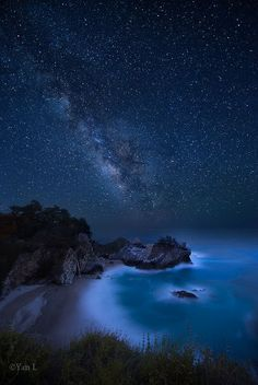 McWay Falls in Big Sur, CA at night! You really could see a lot of stars up there 😄 Sky Full Of Stars, Stars At Night, Landscape Photos, Landscape Photography, Night Photography, Nature Photography, Cool Pictures, Beautiful Pictures, Milky Way