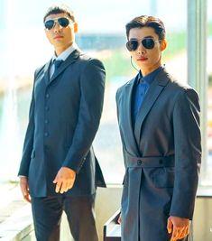 The King: Eternal Monarch Woo Do Hwan Inspired Sunglasses 001 - So Not Size Zero Korean Drama Movies, Korean Actors, Korean Accessories, Fashion Accessories, Size Zero, Man Crush Everyday, Handsome Actors, Actor Model, Lee Min Ho